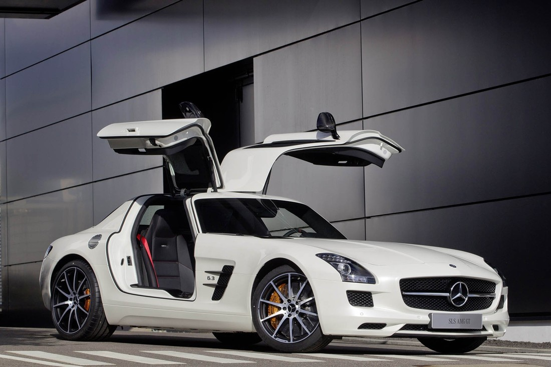 mercedes  rental dubai